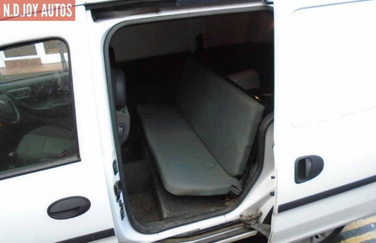 VAUXHALL COMBO 1700 SE CDTI - Picture 6