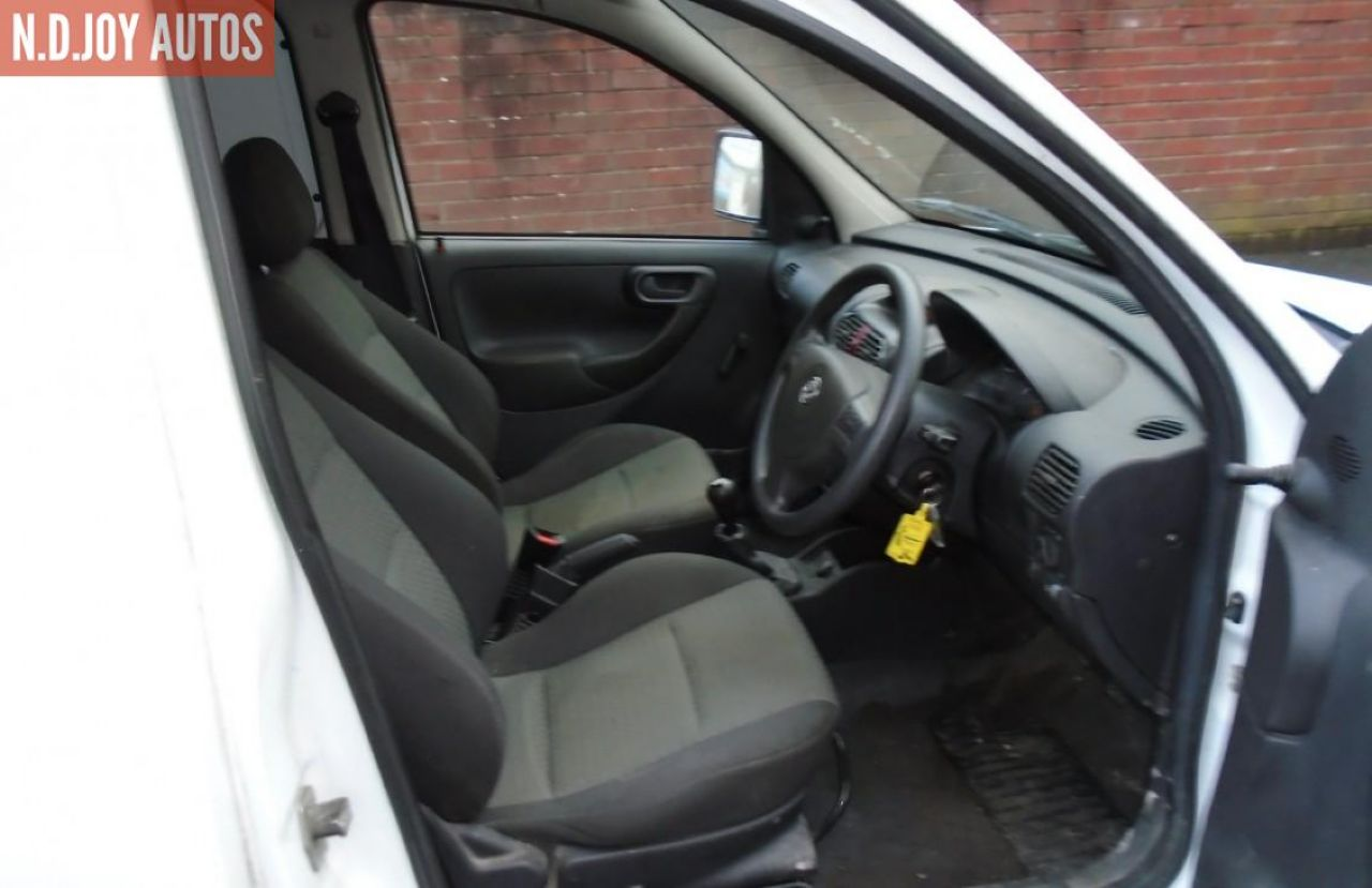VAUXHALL COMBO 1700 SE CDTI - Picture 9