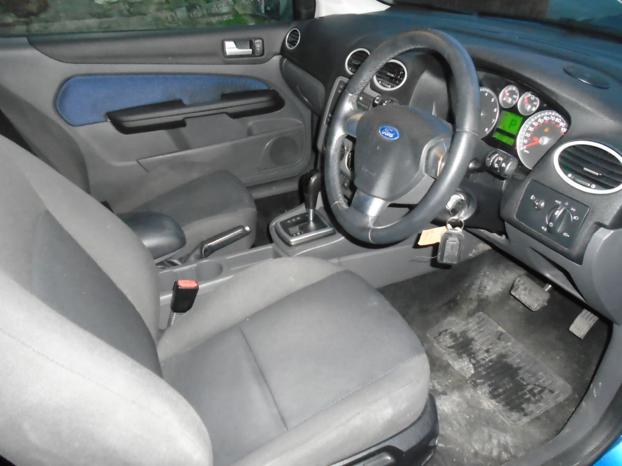 FORD FOCUS 1.6 Zetec Auto - Picture 7