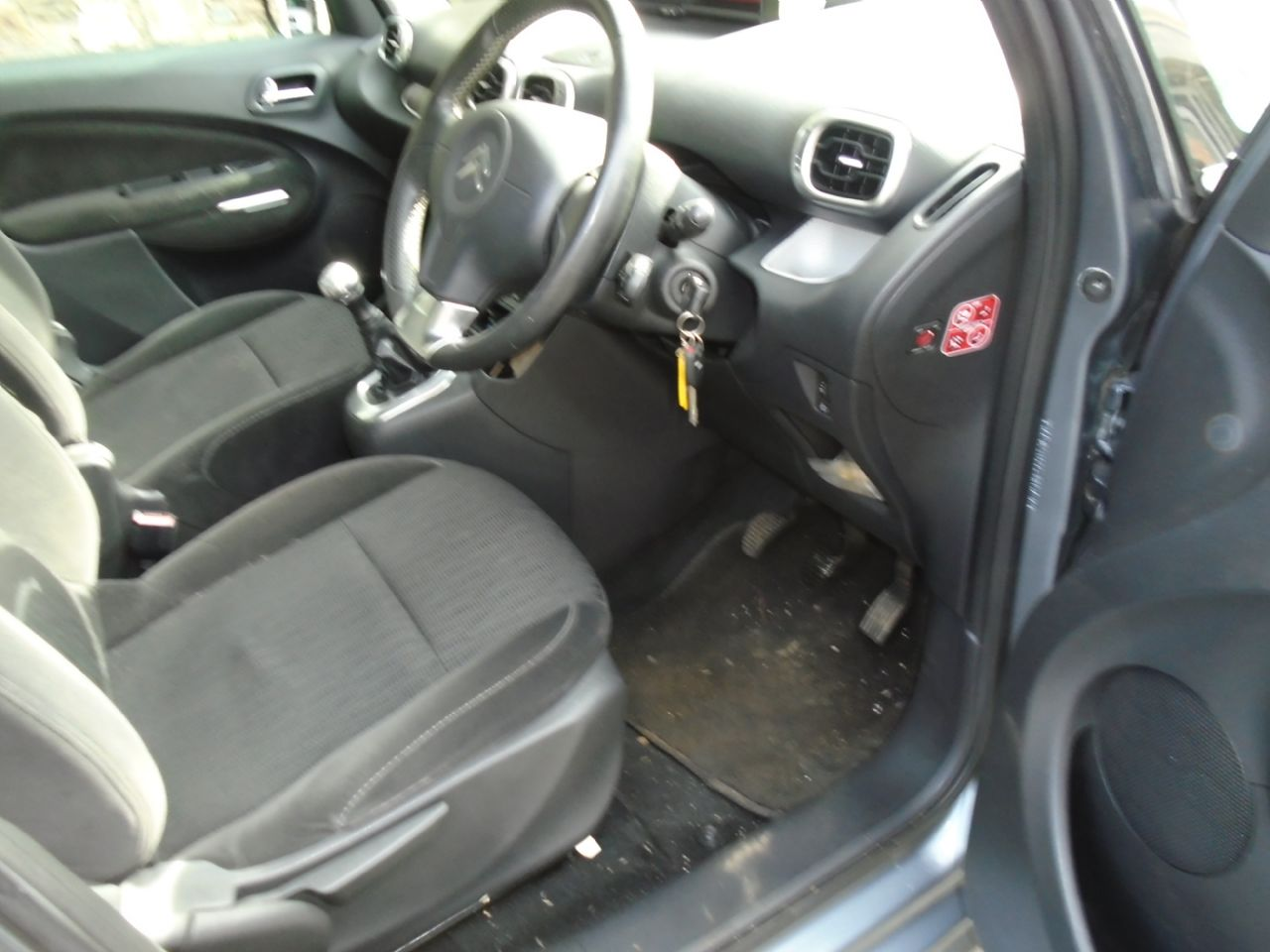 CITROEN C3 PICASSO 1.4VTi 16v 95HP Exclusive - Picture 6