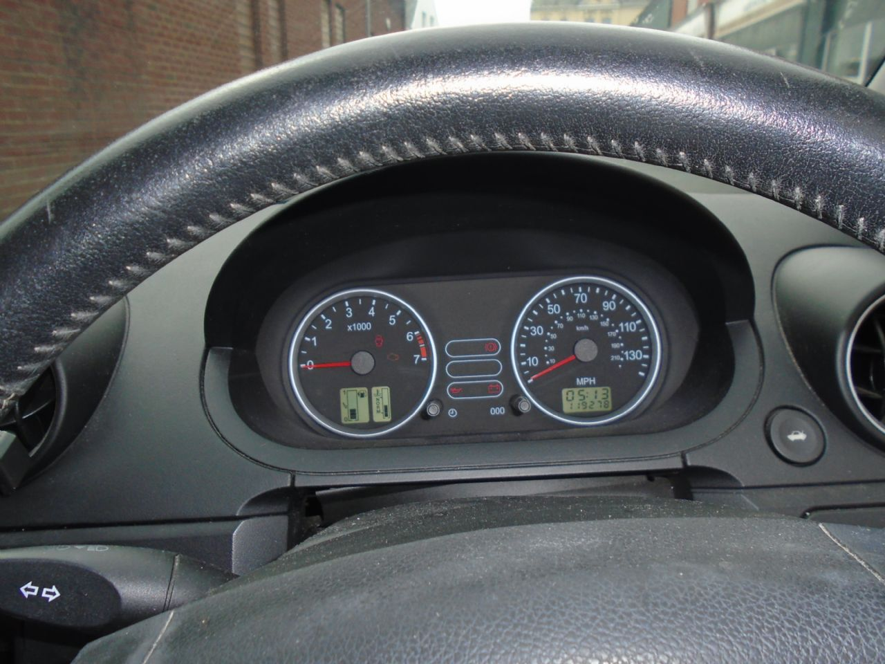 FORD FIESTA 1.4i 16v LX A/C - Picture 7