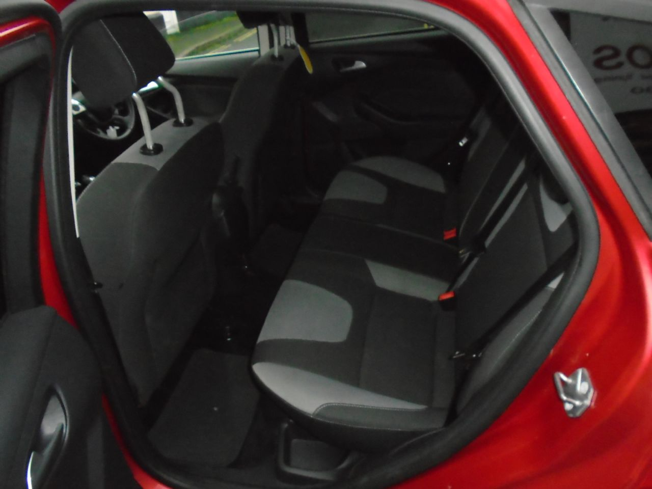 FORD Focus Zetec 1.6 Ti-VCT 125 PS - Picture 9