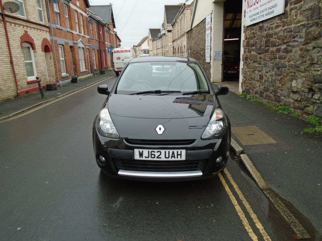 RENAULT Clio Expression 1.2 16V 75 - Picture 2