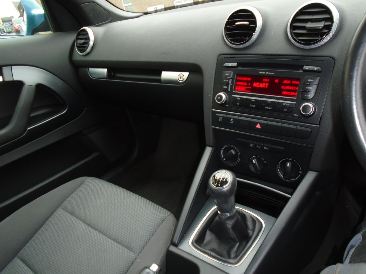 AUDI A3 1.6 TDI Technik - Picture 12
