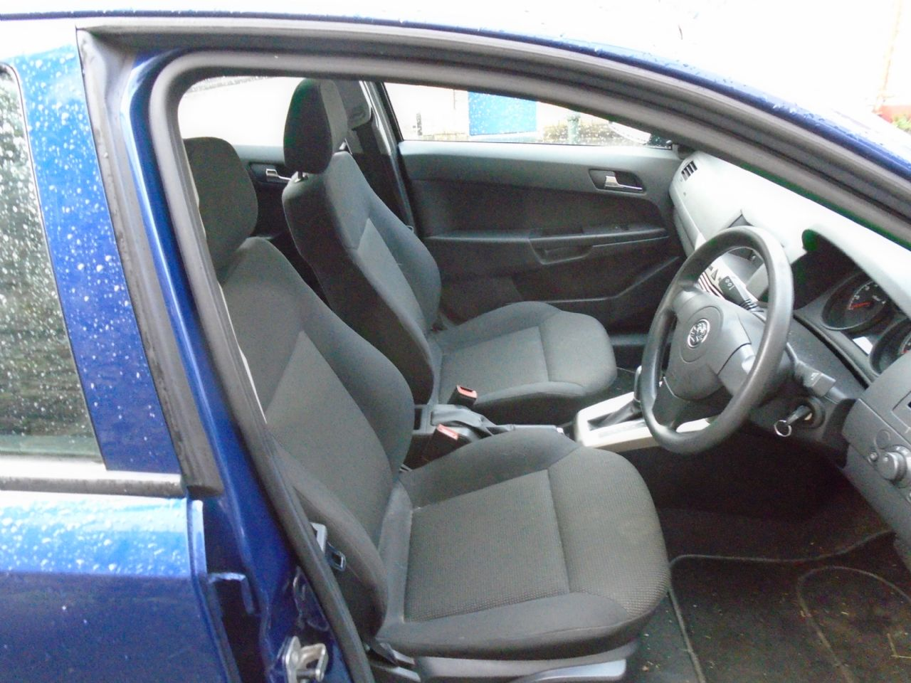 VAUXHALL Astra Life 1.8i 16v auto (a/c) VIP - Picture 2