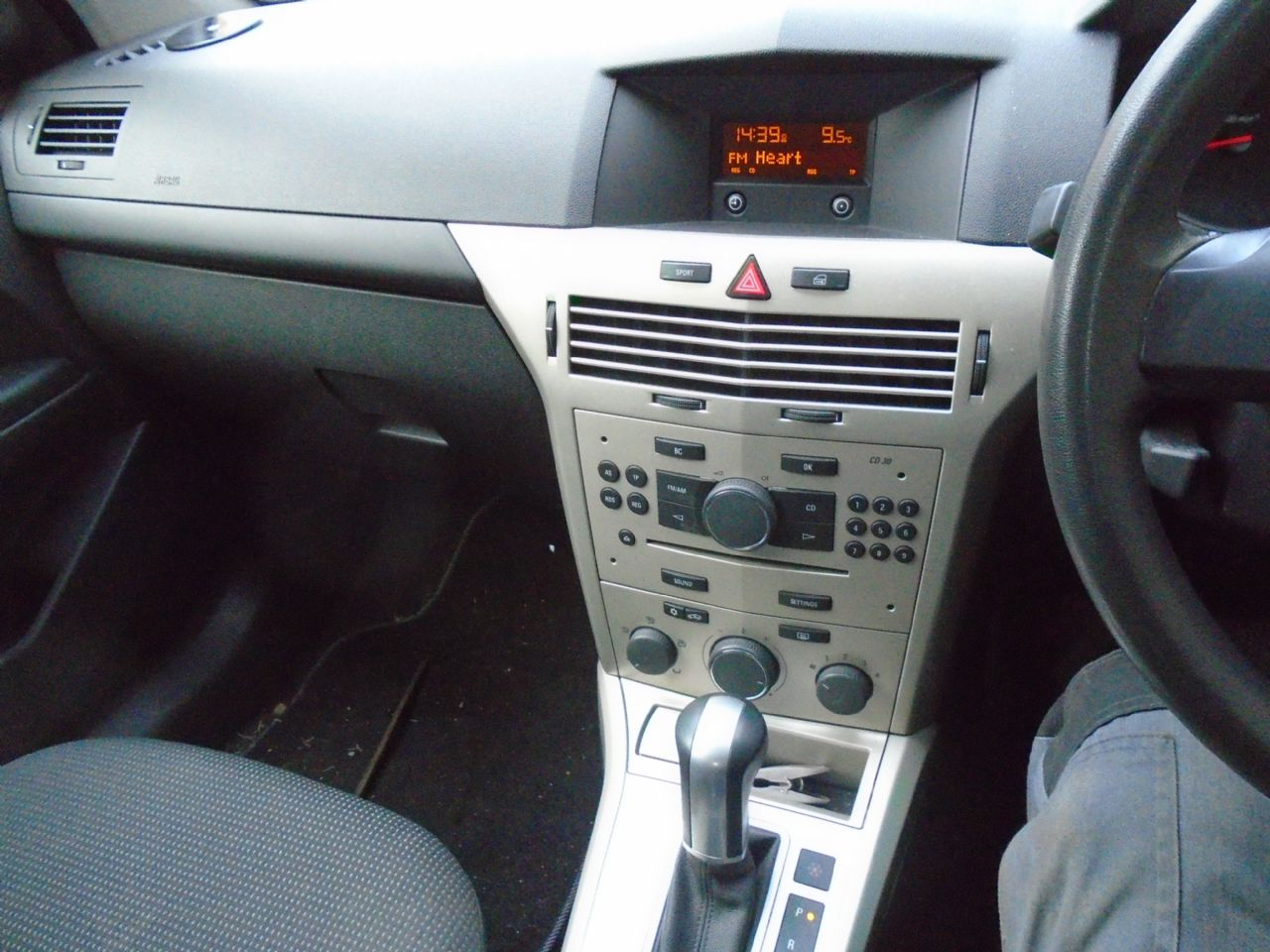 VAUXHALL Astra Life 1.8i 16v auto (a/c) VIP - Picture 4
