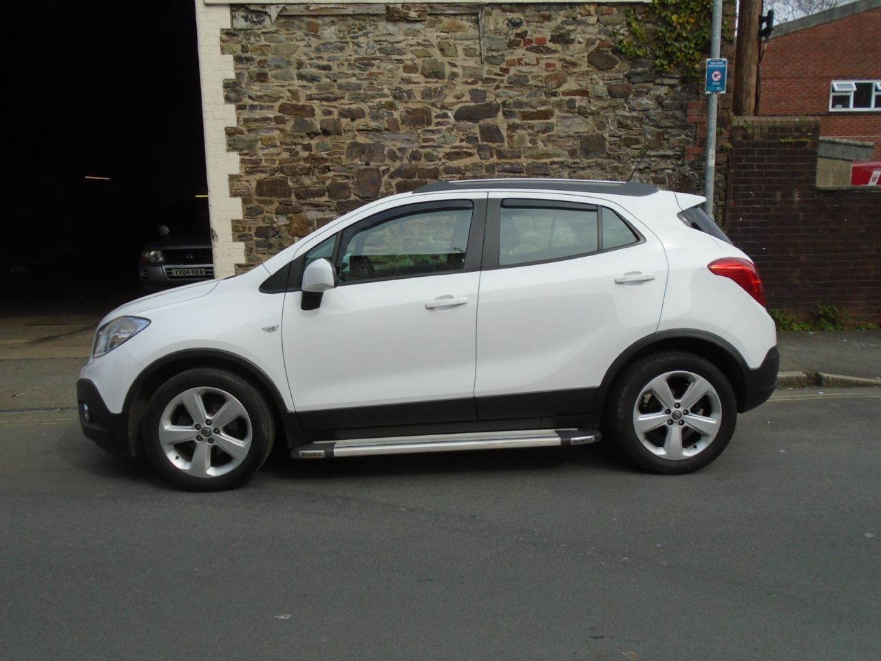 VAUXHALL Mokka Exclusiv 1.6 16v 115PS S/S 5-spd - Picture 2