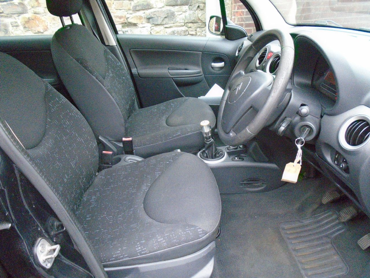 CITROEN C3 1.4 Cool Special Edition - Picture 5